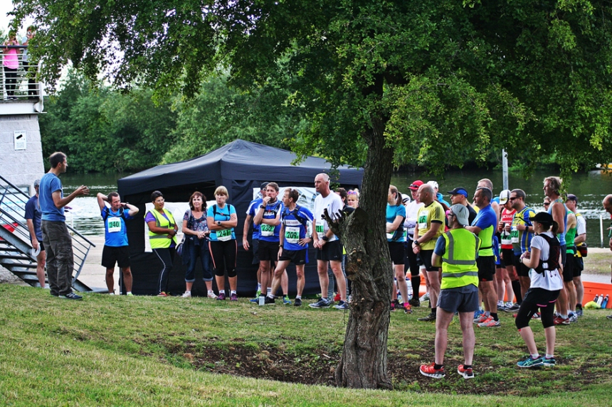 2015-saturday-night-marathon-thames-trail-run-july001