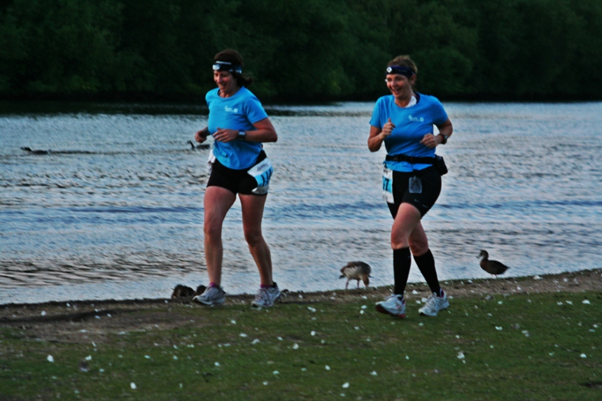 2015-saturday-night-marathon-thames-trail-run-july011
